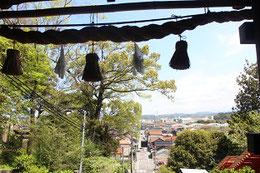柿本神社(島根県益田市)周辺の風景。  2017・4・18 旅猿ツアーにて          写真 / 頼山陽ネットワーク