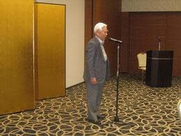 前夜祭で挨拶後、詩吟を披露される山根兼昭さん。愛知県から駆けつけてくださった。