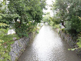 六条辺の高瀬川