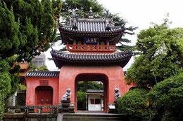 潁川6代潁川四郎太の墓があるという崇福寺
