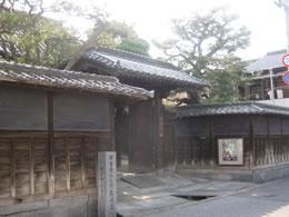 竹原市重要文化財の森川邸入口付近