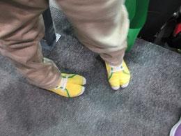 子どもが履く「陸王」の靴