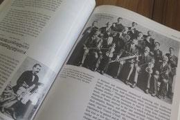 昔の演奏家の写真も多く載っていて、当時の演奏スタイルを知るのにも役立ちます。