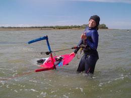 Kitesurfen lernen in deiner VDWS Kiteschule Ostsee, Kiten lernen leicht gemacht mit Spaß in deiner Kiteschule Rerik. Ahoi Freizeit im Ostseeurlaub Kühlungsborn.