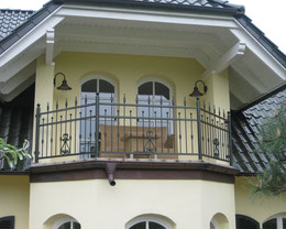 Balkongeländer & Fenstergitter