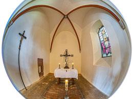 Frühgotischer Chor und restauriertes Vortragekreuz