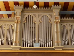 Neogotischer Orgelprospekt