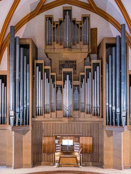 Schuke-Orgel von 1962 mit etwa 4500 Pfeifen