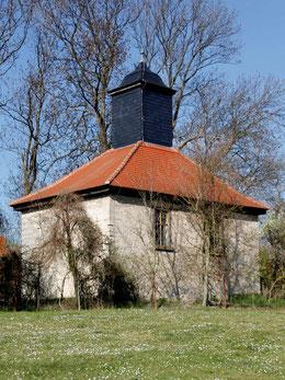 Die Dorfkirche in Rodias - Ansicht aus südwestlicher Richtung