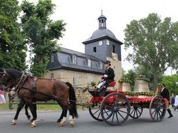 Zwei neue Glocken antransportiert zur Glockenweihe am 29. Juli 2017