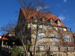 Melanchthonhaus im Jahre 2013 - heute schränkt ein Neubau die Sicht auf das Gemeindehaus ein.