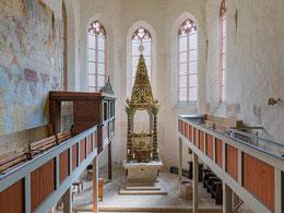 Hochgotischer Chor mit barockem Pyramidenkanzelaltar