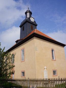Sanierte Außenansicht der Kirche Großkröbitz