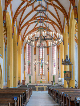 Gestufte Hallenkirche, Blick zum Hohen Chor