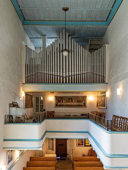Orgelempore mit Abendmahlsgemälde