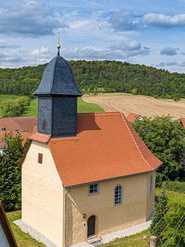 Die restaurierte Dorfkirche in Kleinlöbichau - ein Schmuckstück des Bauernbarock