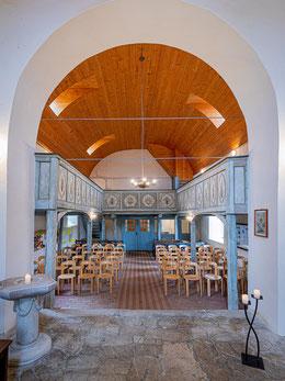 Kirchenschiff mit neuem Tonnengewölbe
