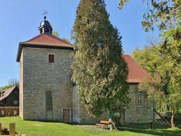 Cospedaer Kirche mit saniertem Dach