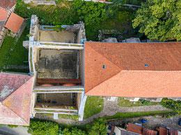 Blick in den Ruinenteil, ehemaliges dreischiffiges Langhaus