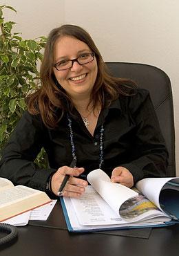 Lucia Waid, Rechtsanwältin, Familienrecht, Mietrecht, Vertragsrecht, Anwalt für Brühl