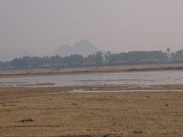 尼蓮禅河と前正覚山