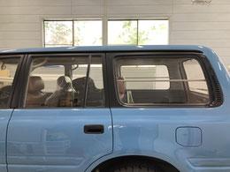 施工例:トヨタランクル80(施工前)車のガラススモークフィルム貼り【カーフレッシュ新潟】