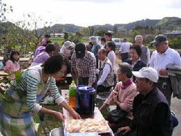 柿畑で試食