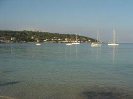 Voilier vue de la plage ,Antibes, cote d'azur, Homelocation-sylvie