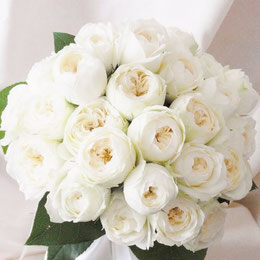 白バラのシェアブーケ