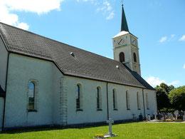 Die Kirche von Les Genevez