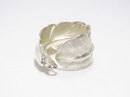 LARRY SMITH EAGLE HEAD FEATHER RING