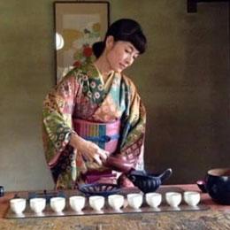 鎌倉中国茶倶楽部一華森一華中国茶席のページへのリンク