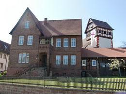 Pfarrhaus und Michaeliskirche