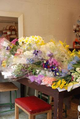 その季節ならではの花たちをたっぷりと♪