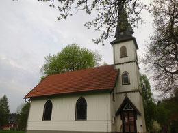 in Elend steht die kleinste Holzkirche Deutschlands nur 60 qm
