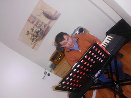ich bei einem musikalischen Nachmittag in Fallersleben