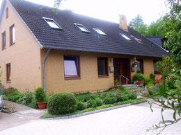 das Jugendhaus meines Vaters in Busdorf, jetzt wohnen da Tante Lisa und Onkel Hans drin