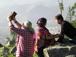 Spiritistin in der Schule des amazonischen Curanderismo