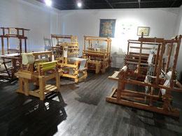●機織りの実演展示室