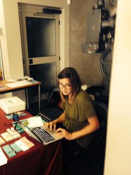 Sara au travail