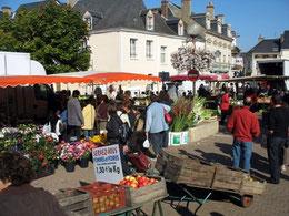 Marché de Nogent le Rotrou - Eure et Loir