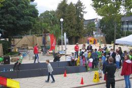 Kinderanimation Unterhaltung Kinderbetreuung Spielefest Eventmodule Verleih Frankfurt Oberursel Fussballbilliard Soccer