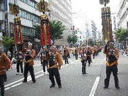 加賀鳶梯子の行進風景