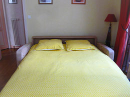 chambre 2, disposée canapé ouvert