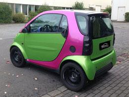 Smart von Rot und Schwarz > zu Grün und Pink metallic