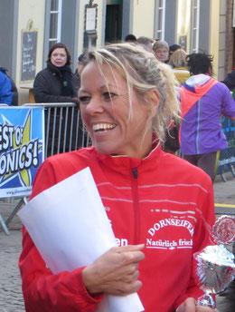 Christl Dörschel:  Marathon 2:46;49 Std.