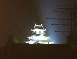 前夜ホテルの窓から見えた掛川城
