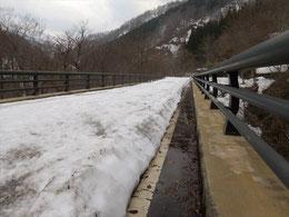 ▲たった2日で20cmほど雪が沈んだ!!