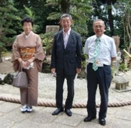 石村、新原市長、槙坪大会委員(左から)