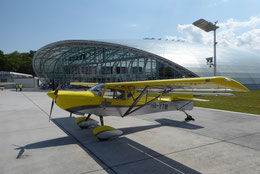 VIP Parking vor dem Flying Bulls Hangar / Museum